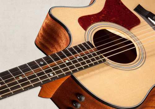 Как правильно выбрать гитару для девушки