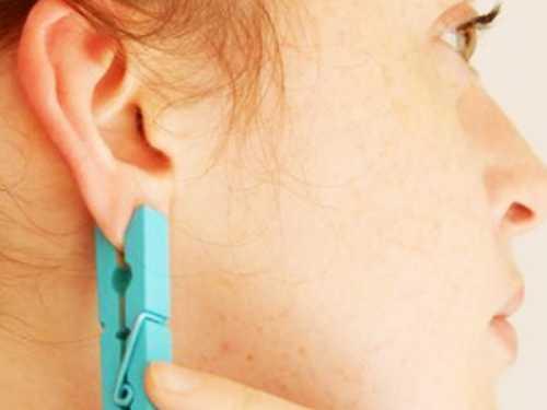 Она прицепила прищепку на ухо Вы думаете, просто так Идея просто гениальна
