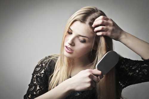 Такие средства наносят на сухие или влажные волосы после мытья, они увлажняют и защищают волосы, при этом не утяжеляют их