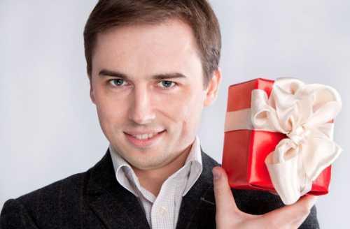 Что подарить мужчине: рекомендации на все случаи жизни