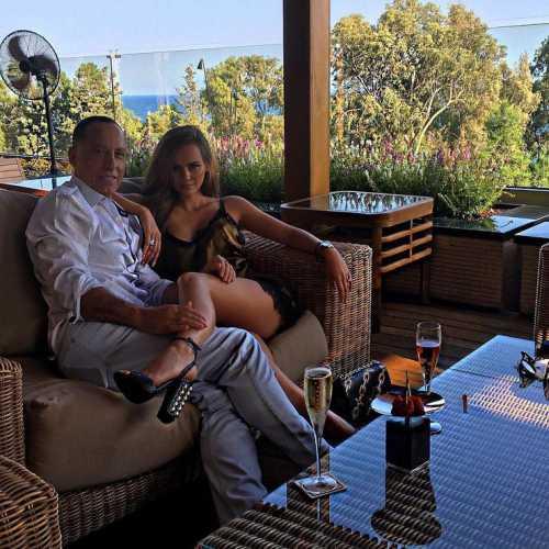 Бывшая девушка Егора Крида ждет ребенка от пожилого миллиардера