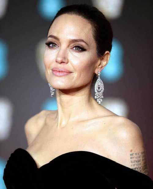 Анджелина Джоли увлеклась молодым коллегой